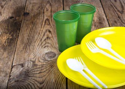 Covas sanciona lei que proíbe estabelecimentos de fornecer utensílios plásticos descartáveis na cidade de SP