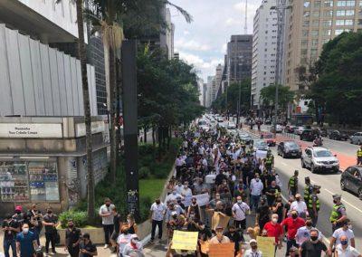 Empresários e trabalhadores de bares e restaurantes protestam em São Paulo