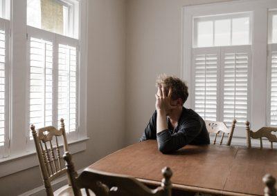 Pesquisa: Depressão e ansiedade entre jovens dobraram durante a pandemia